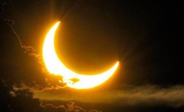 ما سبب إختلاف رؤية 8220 هلال شوال 8221 خاصة عيد الفطر Celestial Outdoor Moon