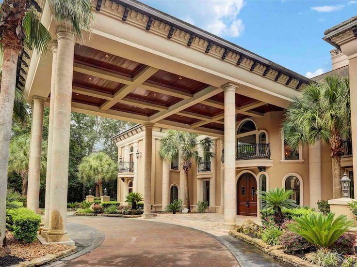 25 best ideas about porte cochere on pinterest southern for Porte cochere homes