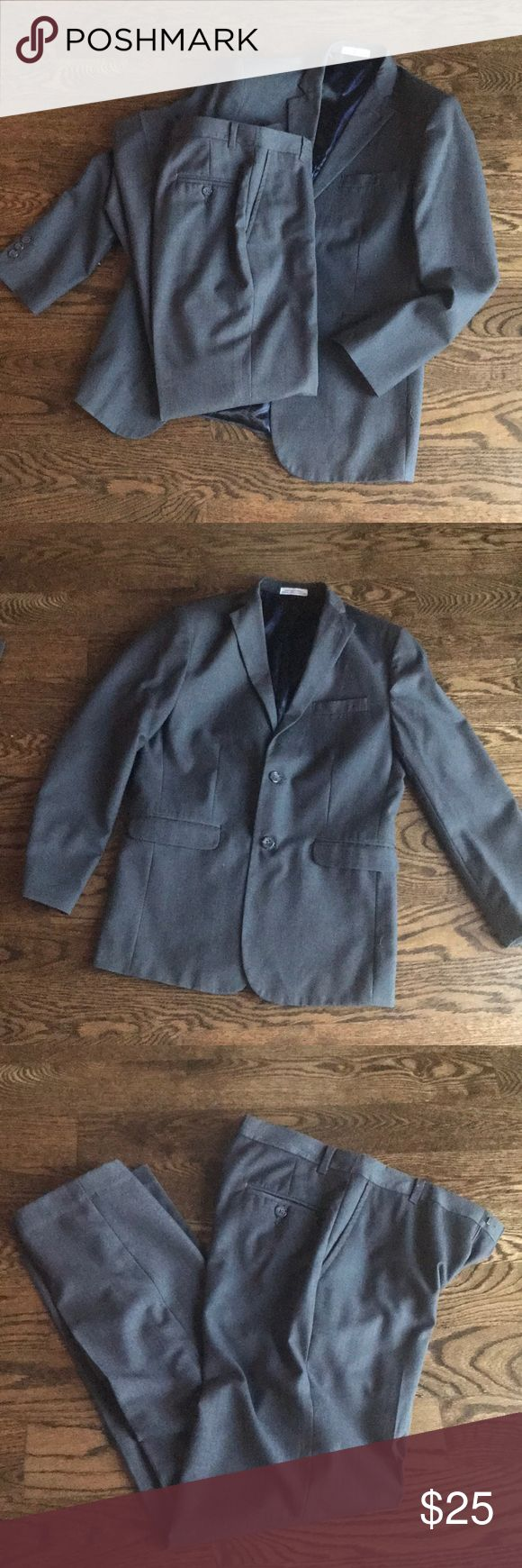 Boys charcoal gray suit 2 piece Izod suit set. Jacket is size 16 regular and pants are 16 slim. Charcoal gray color. Small area where Inseam stitching is loosening-easy fix (shown in last photo) Izod Other