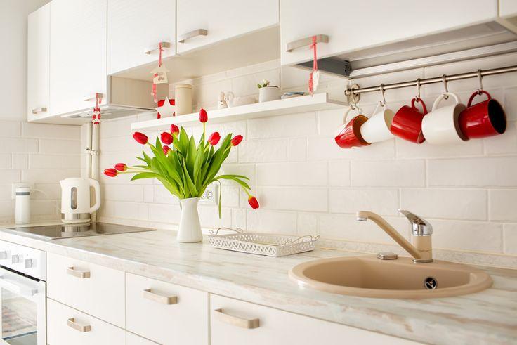 Πώς να κάνεις την κουζίνα σου τον πιο φιλόξενο χώρο του σπιτιού -5 τρόποι Η κουζίνα είναι η «καρδιά» κάθε σπιτιού. Σε αυτήν μαγειρεύονται όλα τα γεύματα, που ικανοποιούν τόσο τον ουρανίσκο, όσο και την ψυχή των μελών της οικογένειας που βρίσκει... Σπίτι, Διακόσμηση, Κουζίνα, Ορ