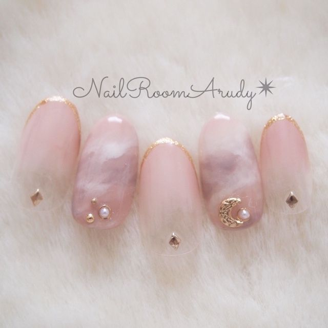 NailRoomArudy's gel nail, pink, autumn, winter, office, dating, gradation, Marble, hand, white, Gureju, sample chip, Sensual nail ♪ [1746586] | Nail book
