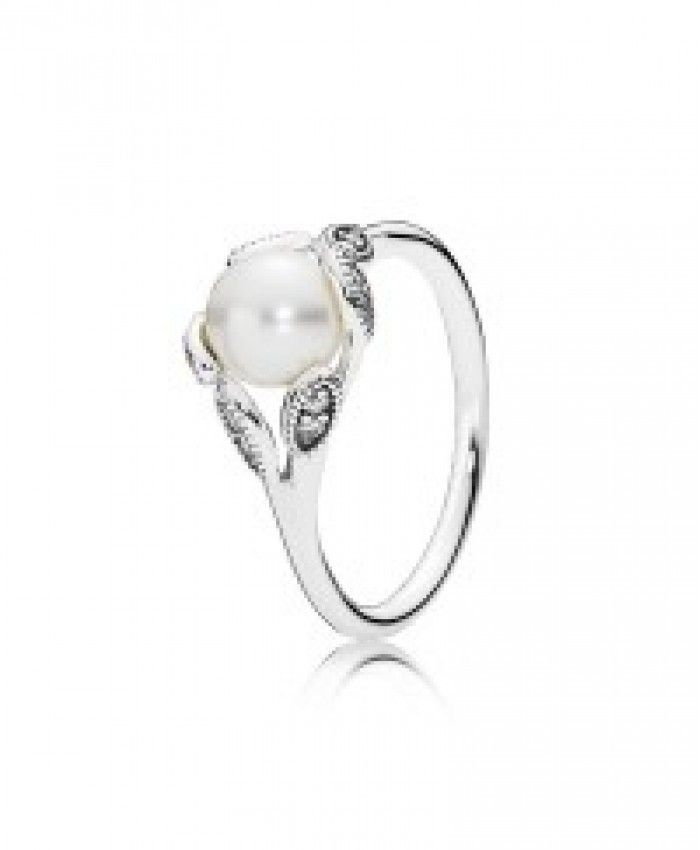 i am happy my aunt like this Pandora Luminous Leaves Pearl Ring,i see it a good gifts.