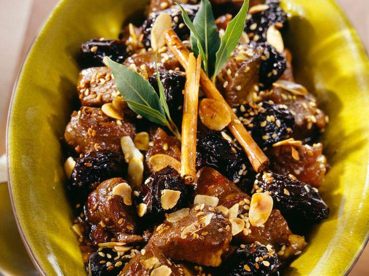 Découvrez la recette Tajine d'agneau au pruneau et sésame sur cuisineactuelle.fr.
