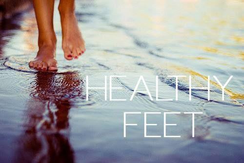 Pielea picioarelor este foarte sensibila. Nu uitati sa o hidratati corespunzator: http://store.mineralium.ro/ro/home/19-crema-hidratanta-pentru-picioare.html