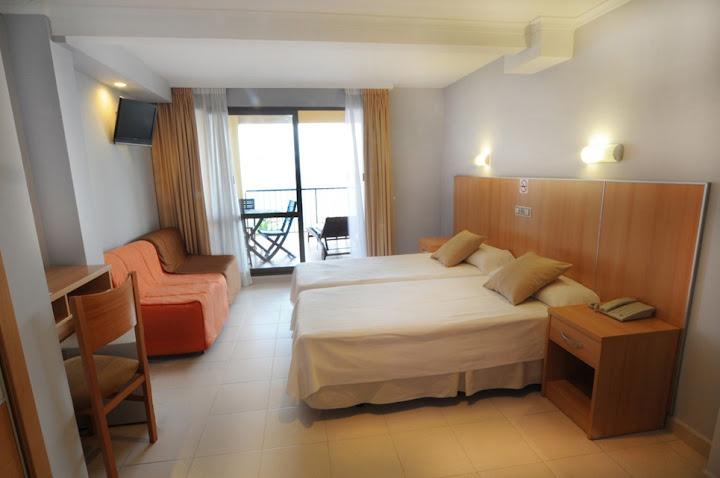 Habitación ELITE del Hotel Montemar.  Hotel Montemar's ELITE room.
