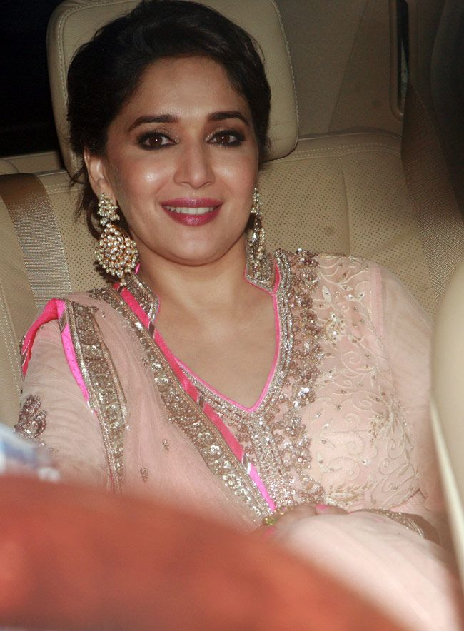 Dancing Diva, Madhuri Dixit looked pretty in a pink anarkali at Shah Rukh Khan's Eid bash. #Bollywood #Fashion #Style