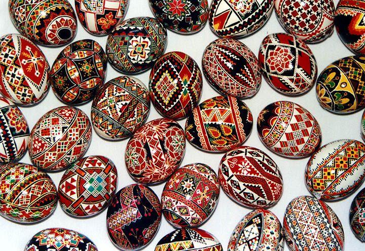Ukrainian eggs: Decor Eggs, Inspiration, Pattern, Ukrainian Easter, Ukrainian Hands, Ukrainian Heritage, Easter Eggs, Design, Ukrainian Eggscessori