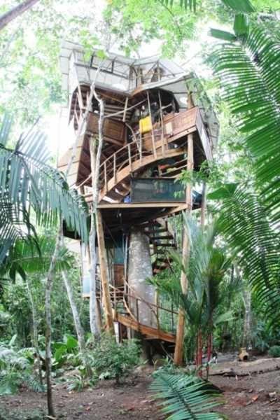 Treehouse vacation rental in Costa Rica, via @Alex Pregent