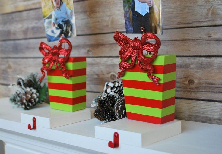 Adorable Photo Stocking Hangers  #Christmas #Stocking #Santa #JingleBells #christmasdecorations #mantel #Stockingholder #stockinghanger #merrychristmas #christmastree #christmasgift #thatdreamyoudream