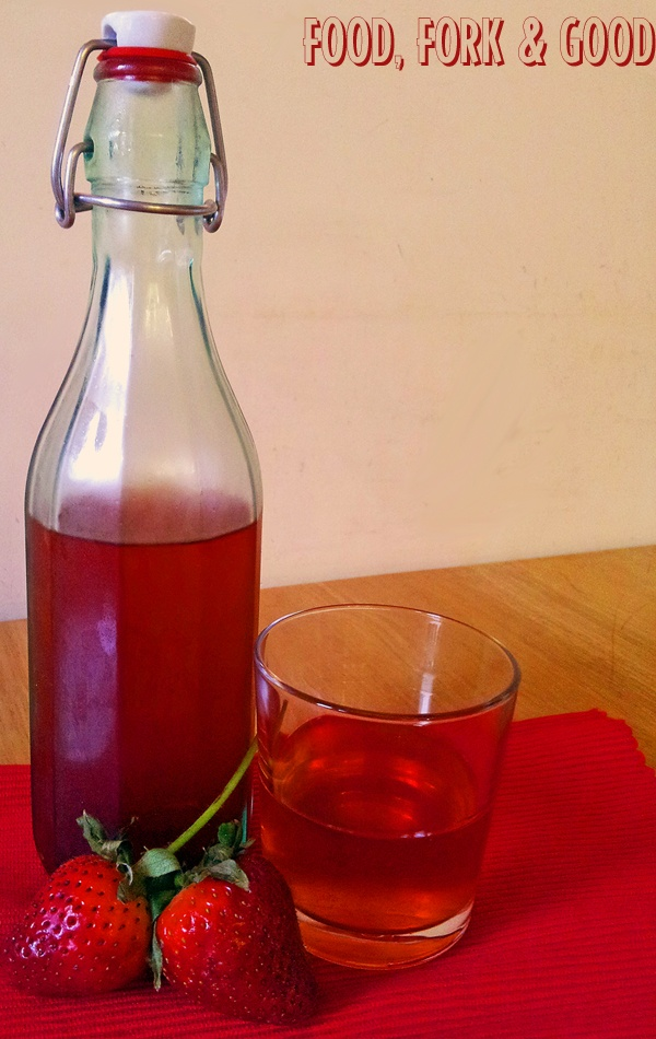 Homemade strawberry vodka - favours