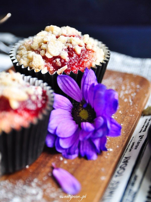 Rhubarb and strawberry muffins