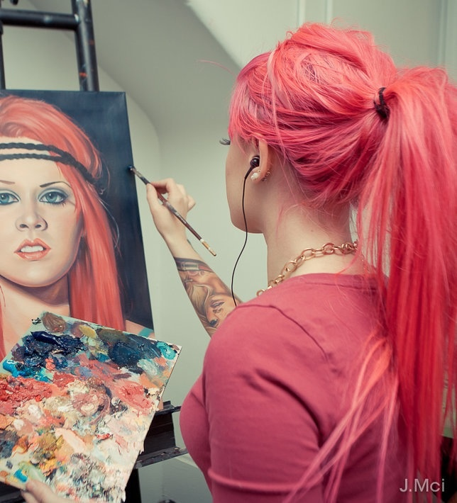 Coral hair color. I love this color