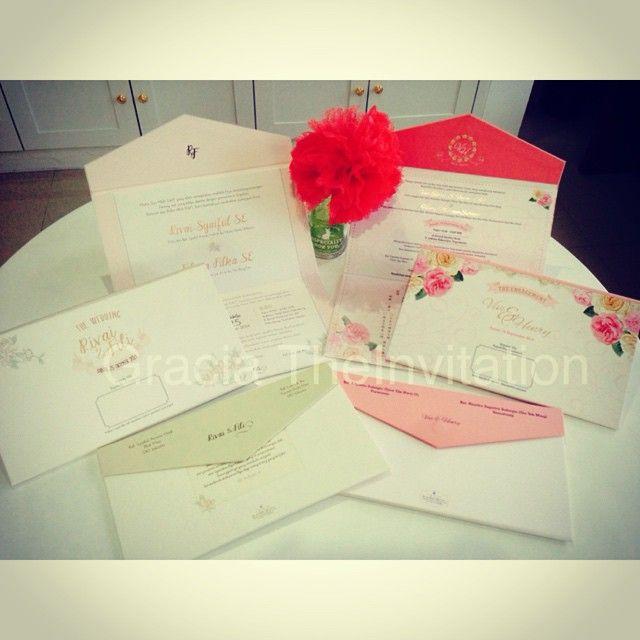Three folded hard cover Invitation Blooming theme #Graciatheinvitation #theinvitationspecialist #wedding #undangan #madewithlove #modern #classic #jualundnagan #jualan #couple #flower #pinkflower