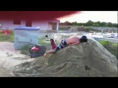 Videos chistosos - caidas graciosas - Los mejores  videos de risa 2013 HD