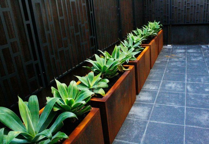 Acero corten ideas para exteriores en 75 diseños creativos. Variantes de espacios basados en el uso del acero corten, sus caracteristicas y aplicaciones.
