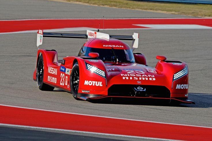 Das ist der LMP1-Sportwagen von Nissan: Nissan GT-R LM NISMO  Hier haben wir die ersten offiziellen Videos und Bilder vom Nissan GT-R LM NISMO, mit dem Nissan 2015 am 24 Stunden Rennen von Le Mans teil nimmt. Die ersten Infos kurz und knapp: Es ist ein Wagen mit 3.0-Liter-V6-Biturbo der als Front-Mittelmotor verbaut ist und die Vorderräder antreibt. Einen ausführlichen Bericht liefern wir später nach.