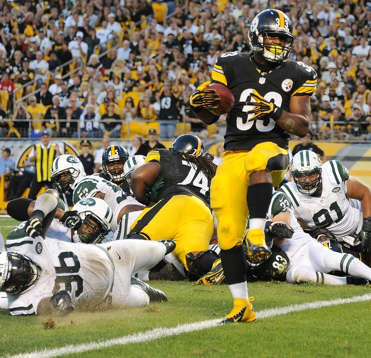 SEPT. 16, 2012 — Steelers running back Isaac Redman scores a touchdown during the fourth quarter against the Jets at Heinz Field. The Steelers won, 27-10.