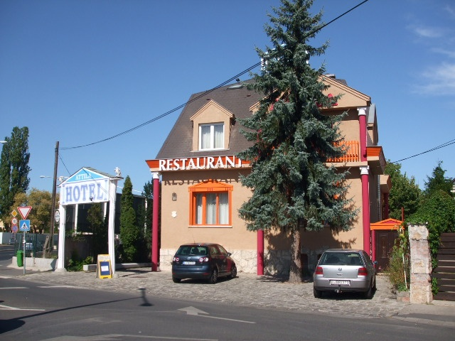 Attila hotel is in a quiet district (3rd) of Budapest, with excellent transportation possibilities to the city center and the historical city of Szentendre, as well as to the direction of the Danube Bend.  http://www.guestus.com/EN/Europe/Hungary/Budapest/Budapest/Hotels/Attila-Hotel/