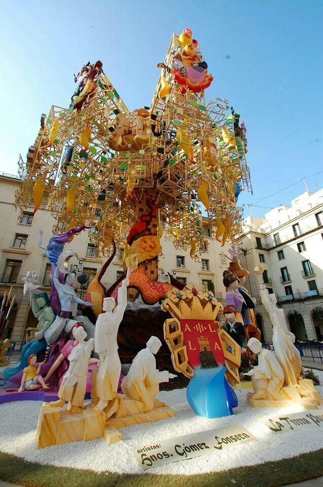 Hoguera Oficial , Ayuntamiento Alicante.