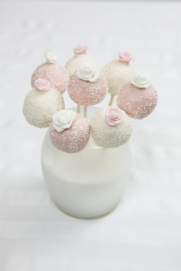 wedding cake pops ideas 25 best ideas about wedding cake pops on 23528