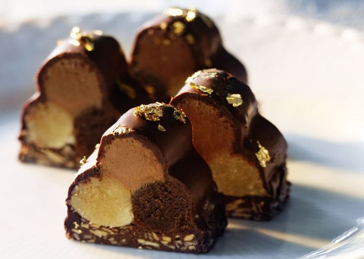 konfekt - chocolates (pictured here: tri-flavoured marzipan coated in chocolate)