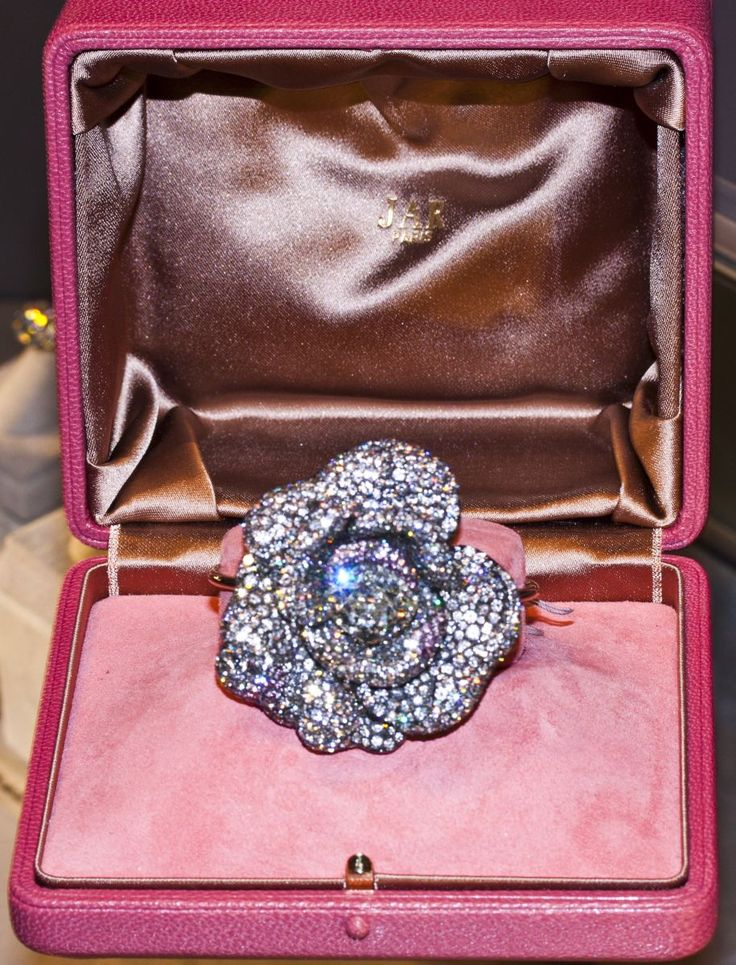 Masterpiece Fair, London 2013; a spectacle of stunning jewels