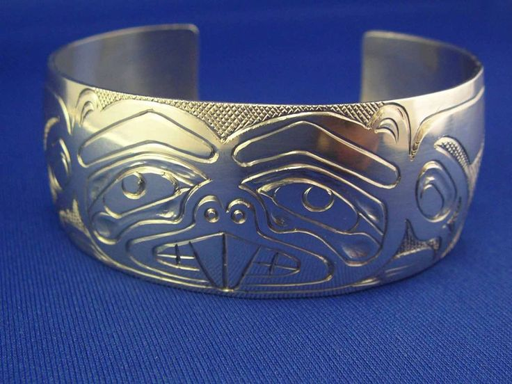 Native American North West Signed Deb Hunt Beaver cuff Bracelet TLINGIT
