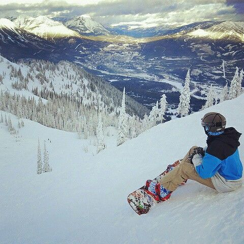 What an awesome view! Photo credit Fernie Resort/ Robin Siggers  #skican  #snowboard  #snowboarder