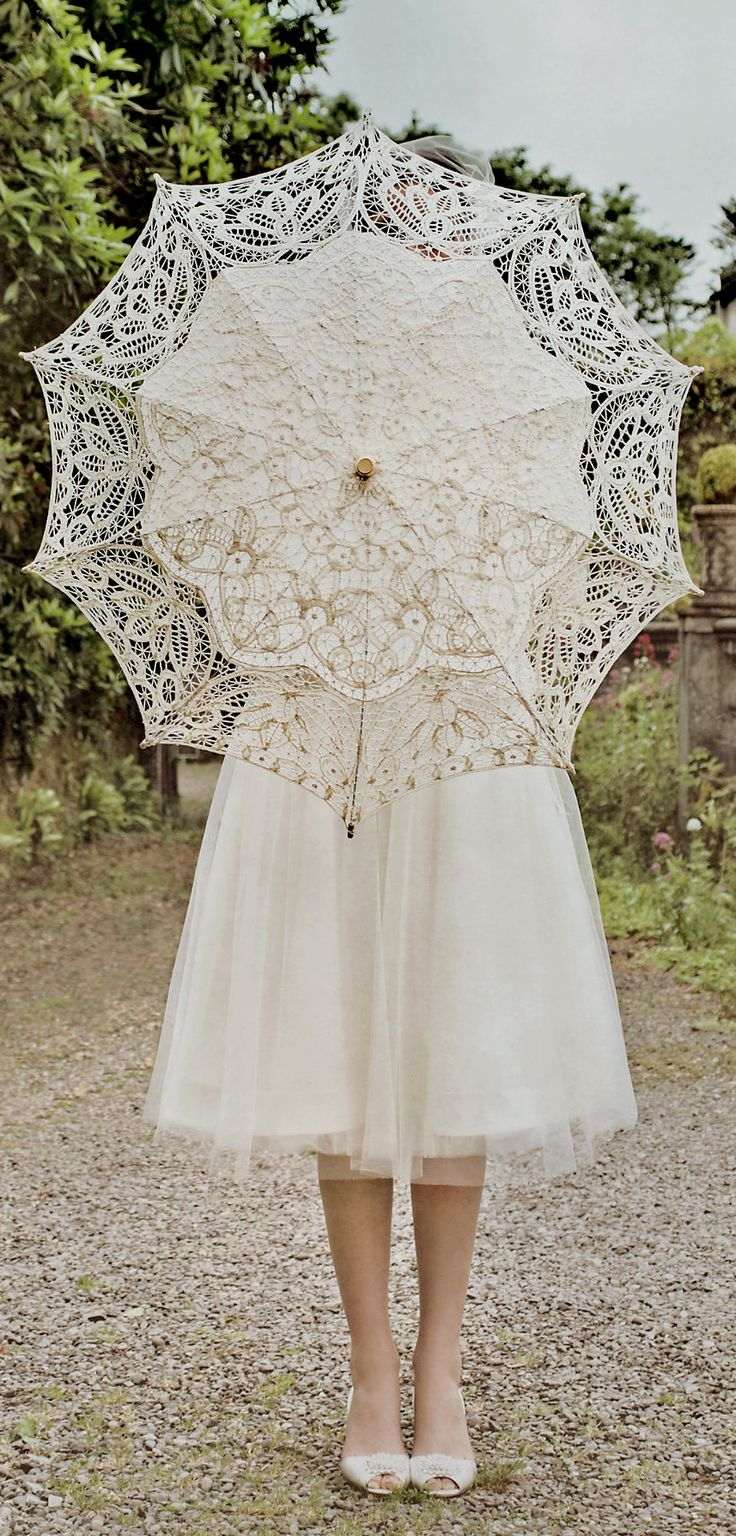 Lace, Vintage, Summer Wedding accessory. How cute is that?!