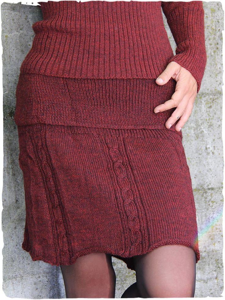 Originale gonna in lana d'alpaca #gonna #lana a doppio uso, #gonna o #coprispalle. Splendida lavorazione a #treccia per questa #gonna invernale in #maglia - See more at: http://www.lamamita.it/it-IT/shop/abbigliamento-invernale/minigonna-di-maglia-giuno#sthash.geCQE3l0.dpuf #modaetnica #ethnicalfashion #alpacaswhool #lanadialpaca #peruvianfashion #peru #lamamita #moda #fashion #italianfashion #style #italianstyle #modaitaliana #lamamitafashion #moda2015 #fashion2015 #winter #winterfashion