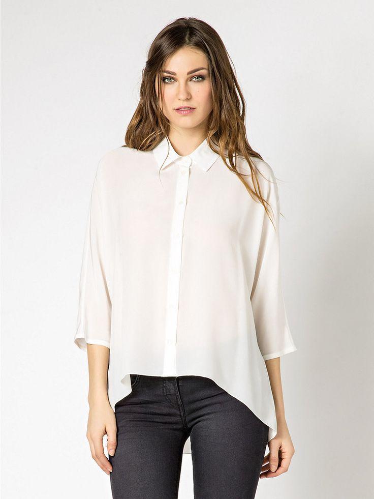 Camicia Bianca in seta Patrizia Pepe, capo icon della linea della stilista  italiana. Un