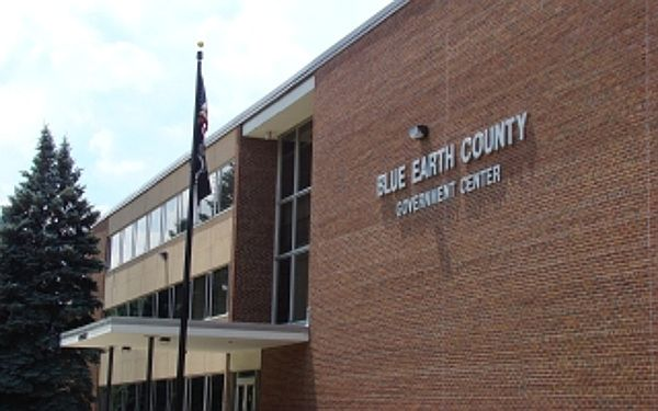 Blue Earth County Elections Office to Hold Extended Hours   Public Service – Mankato Times  MANKATO, MINN. --- As a reminder, the Blue Earth County Elections Office will be open extended hours on Sat., Nov. 5 from 10 a.m. to 3 p.m. and until 5 p.m. Mon., Nov. 7 to accommodate absentee ballot voters.  The…