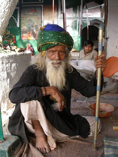 Sufi Sheikh in front of the Dargah of Sabir Pir in Kaliyar, India