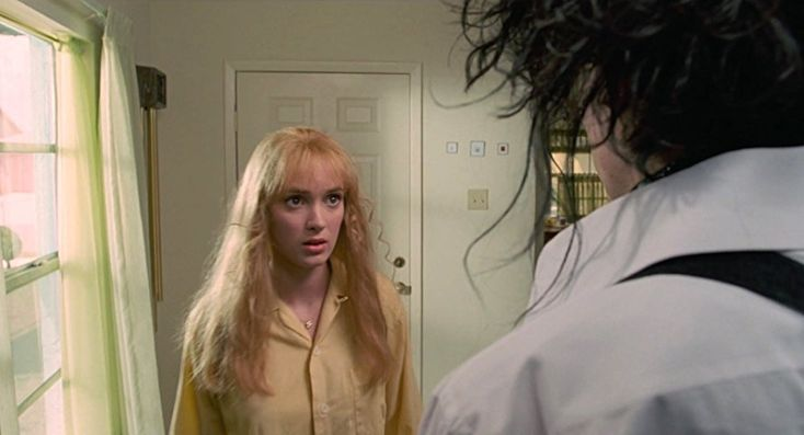Johnny Depp and Winona Ryder in Edward Scissorhands (1990)