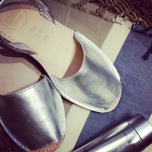 Be shined | Alohas Silver Chrome Metal Leather | http://www.alohassandals.com.au