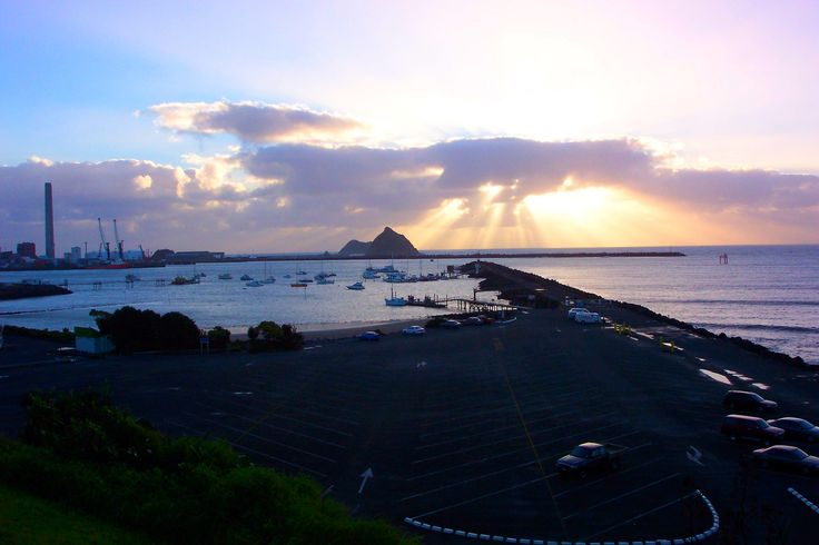 https://flic.kr/p/LChJz1 | Sunset Over Breakwater | New Plymouth