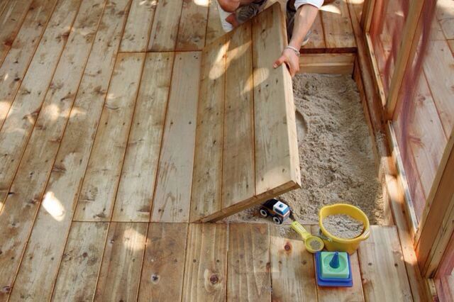 A few yrs ago we had a new decking with a built in sandpit like this, oh the hrs of fun we had! Then we shut it close and it was totally out of view. Great idea if you have young kids and are thinking of revamping your decking. #homedecor #homeprovement #gardenideas