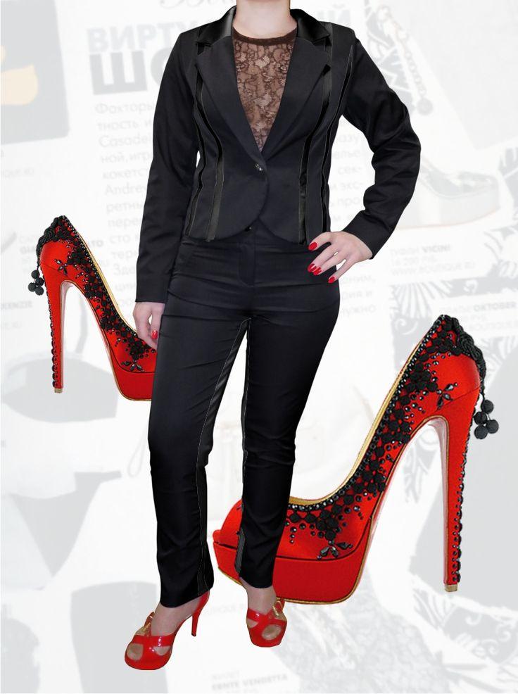 100$ Брючный деловой костюм для полных девушек с атласными серыми полосками Артикул 637, р50-64