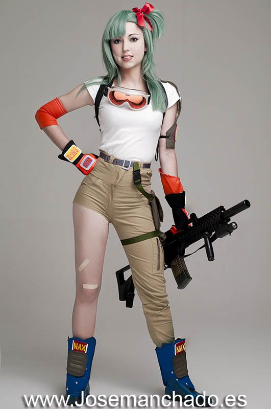 Bulma Cosplay from Dragon Ball by Virginia / Virchan Puu Cosplay / Virchan on deviantArt, photo by Jose Manchado