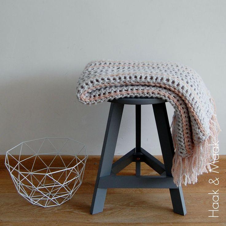Zachte plaid haakpatroon gemaakt van 6 bollen  Julia wol van  Zeeman