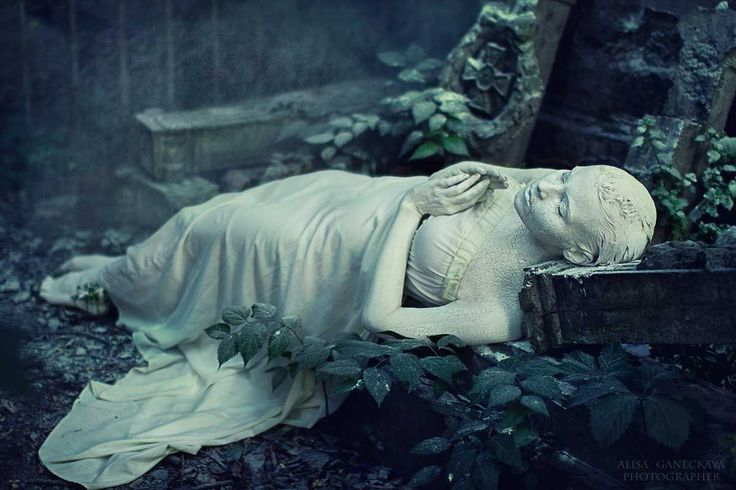 """From my rotting body, flowers shall grow and I am in them and that is eternity.""  Edvard Munch - Photography by Alisa Ganeckaya"