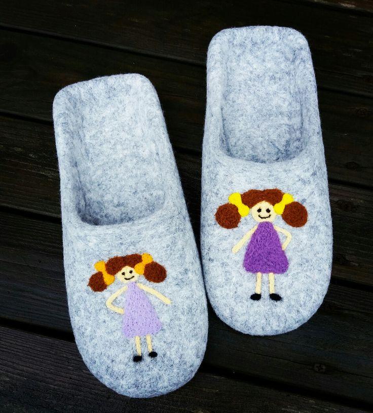 wet felted slippers DIVMEITIŅAS pamana.lv