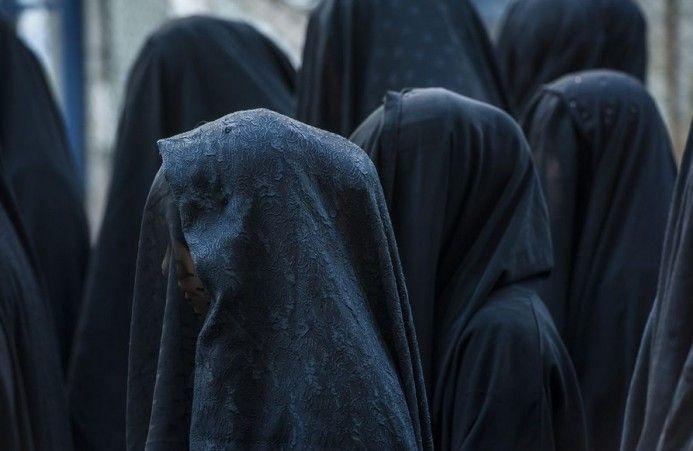 #Muslim #Women with #burka Μουσουλμάνες Γυναίκες με Φερετζέ.