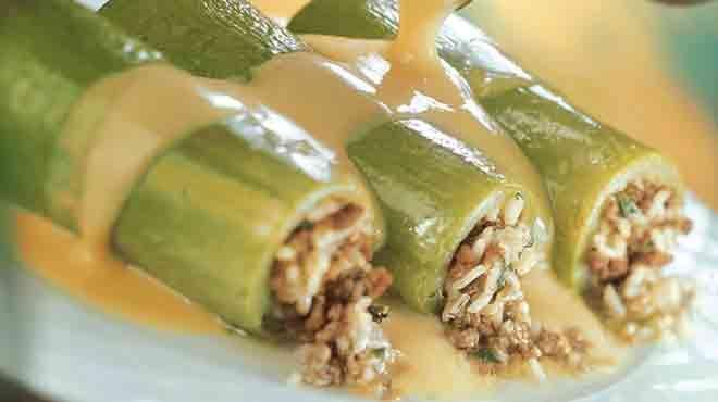 Κολοκυθάκια με άσπρη σάλτσα είναι μια ιδιαίτερη συνταγή που μας δίνει τα κολοκυθάκια να τα φάμε με διαφορετικό τρόπο.