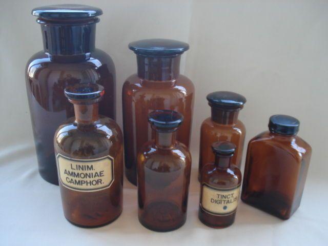 Online veilinghuis Catawiki: Zeven glazen apothekers potten/flessen