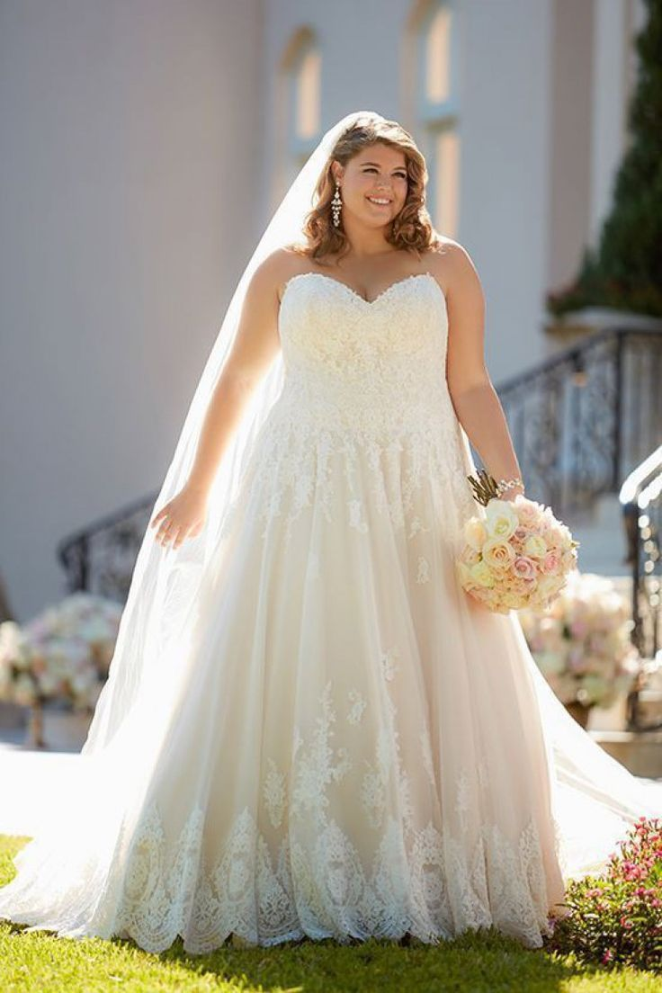 Stunning Unconventional Wedding Dresses Plus Size Stella York Wedding Dress York Wedding Dress Bridal Ball Gown [ 1104 x 736 Pixel ]