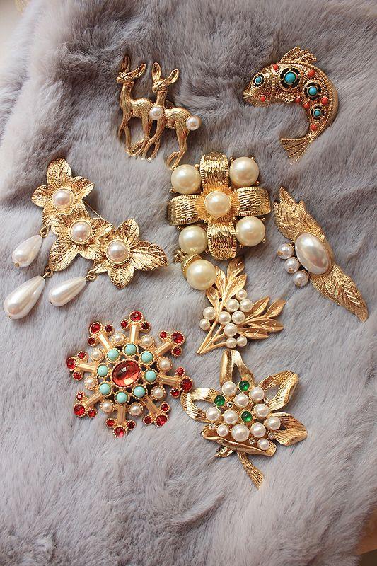 Западные античные гемма старинные жемчуг кисточкой брошь брошь инкрустированные матовое золото воротник пиновый камень - глобальная станция Taobao