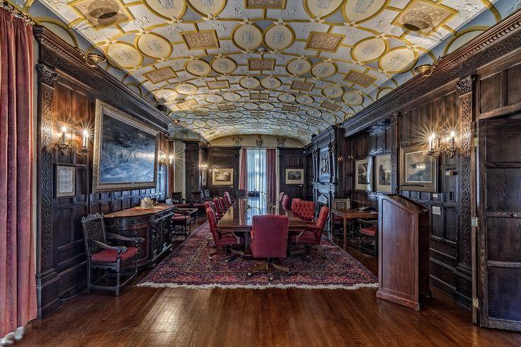 Oak Hall Mansion - Niagara Falls  http://www.smashingpixel.com/blog/oakmansion