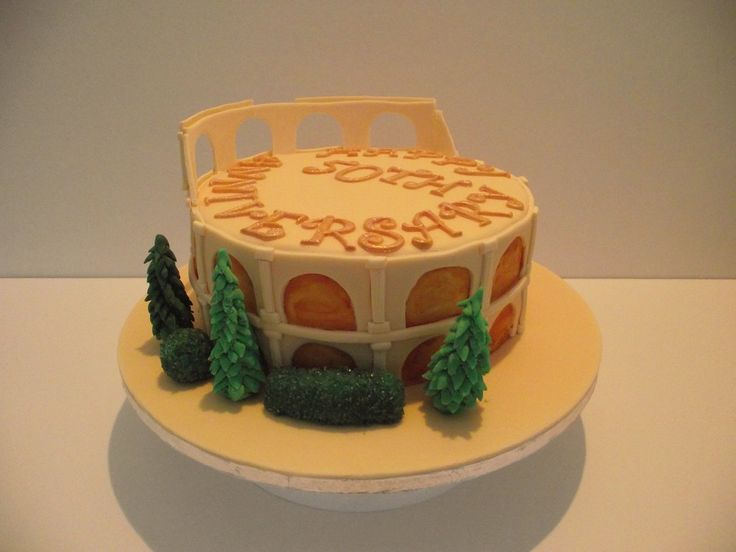 Colosseum Cake with trees