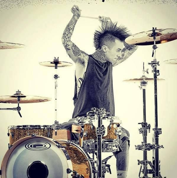 Brilliant photo of Travis Barker, Blink-182